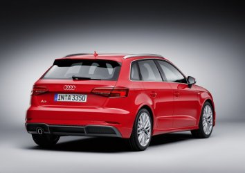 Audi A3 Sportback (8V facelift 2016) - Photo 2