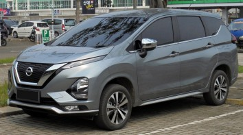 Nissan Livina II
