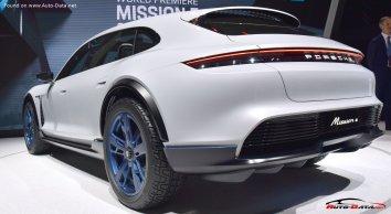 Porsche Mission E Cross Turismo  - Photo 5