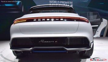 Porsche Mission E Cross Turismo  - Photo 6