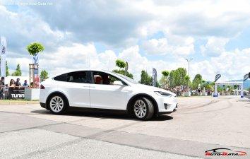Tesla Model X  - Photo 5