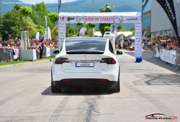 Tesla Model X  - Photo 6