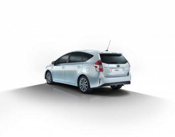 Toyota Prius (facelift 2015) - Photo 2