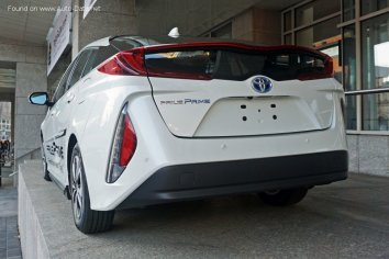 Toyota Prius Prime  - Photo 2